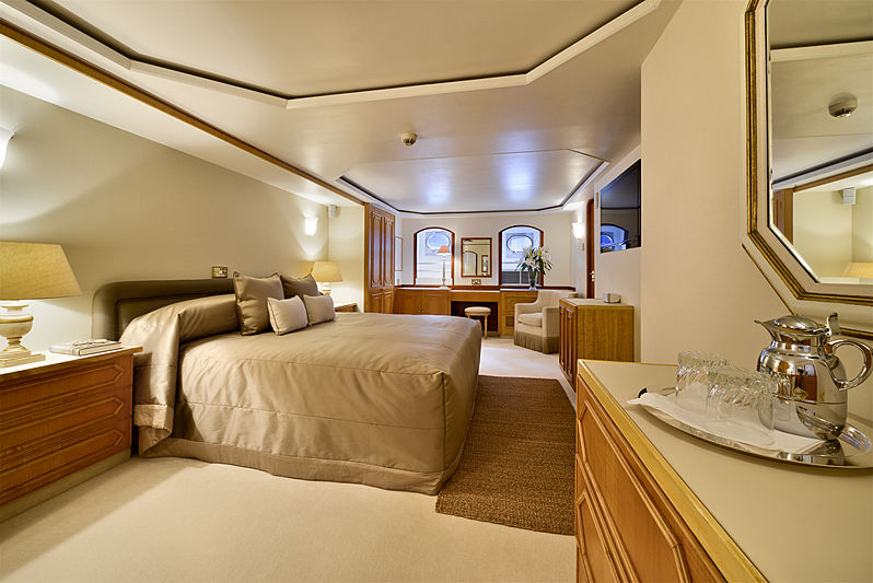 Atlantic Goose yacht owner's suite