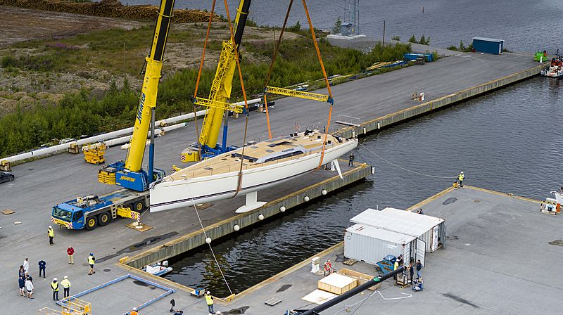 Swan 98 yacht BeCool launch