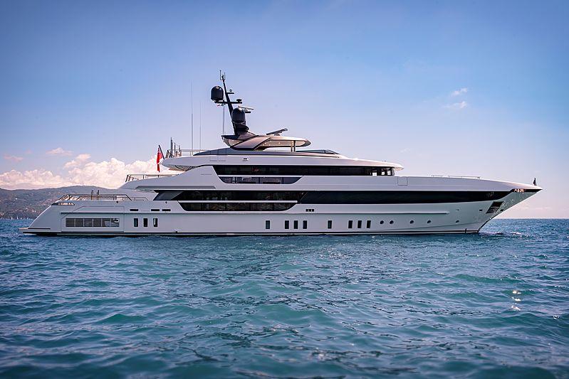 Lady Lena yacht anchored