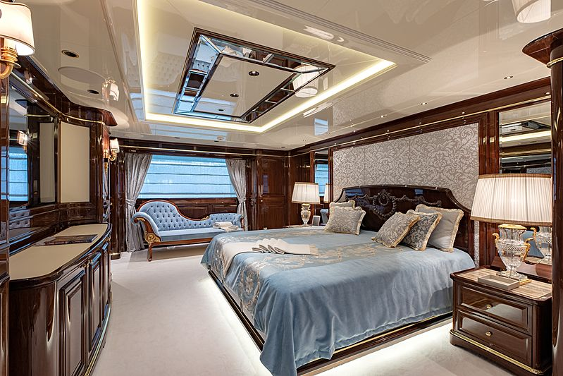 Lady Lena yacht owner's suite