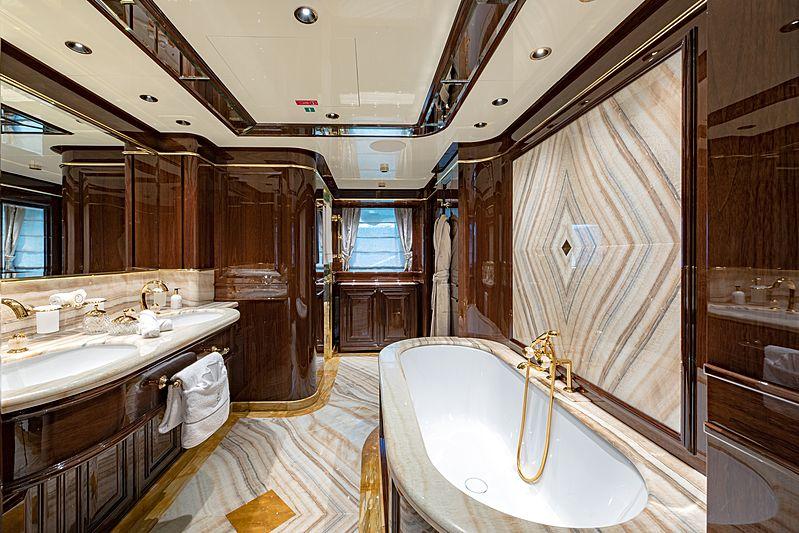 Lady Lena yacht owner's bathroom