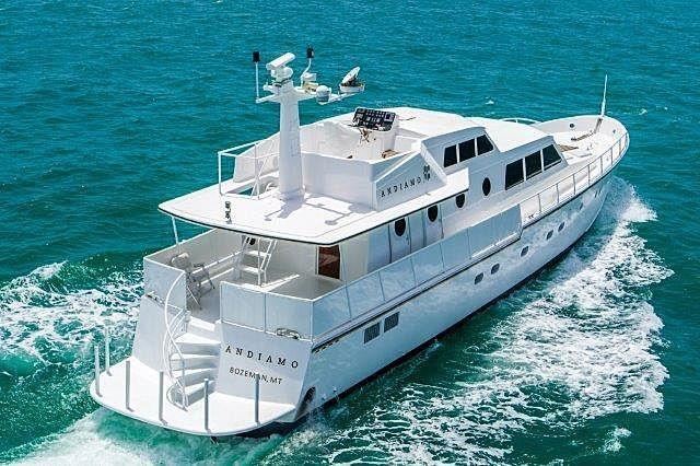 Andiamo yacht cruising