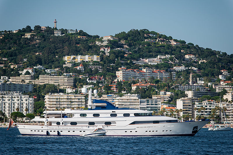 Cleopatra yacht by Amels in Cannes