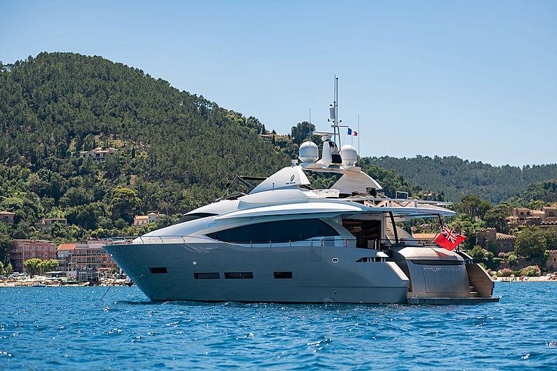 Quasar yacht at anchor