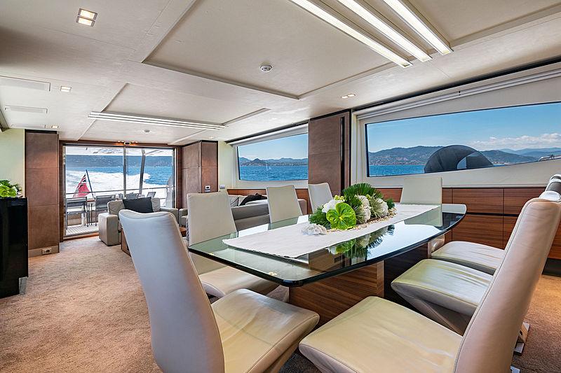 Quasar yacht dining table