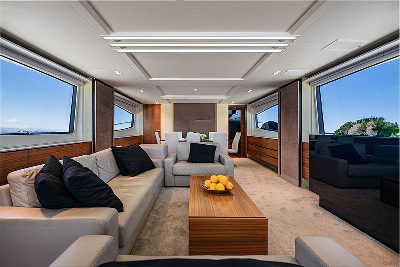 Quasar yacht saloon