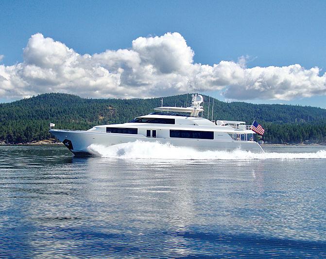 Dreams yacht cruising