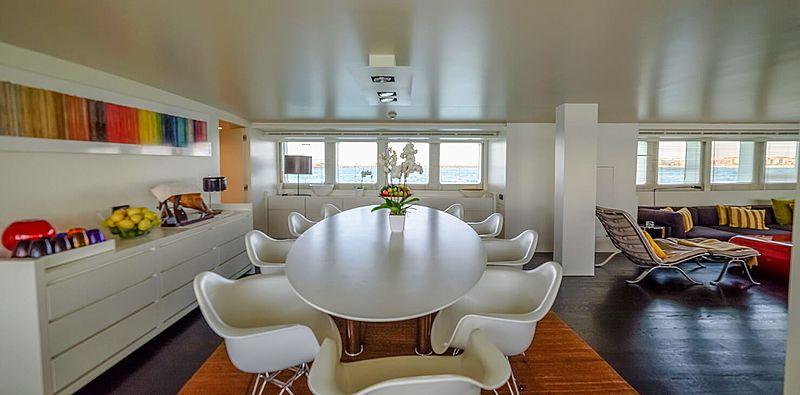 Berzinc yacht dining room