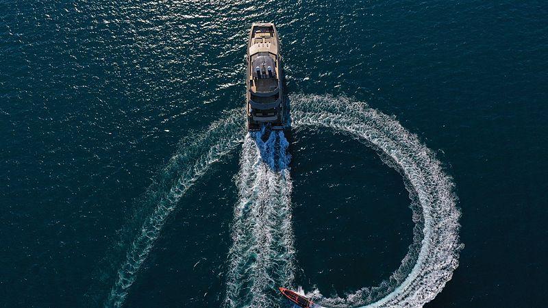 Yu Feng Zhe 1 yacht cruising
