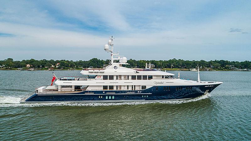 Unbridled yacht cruising