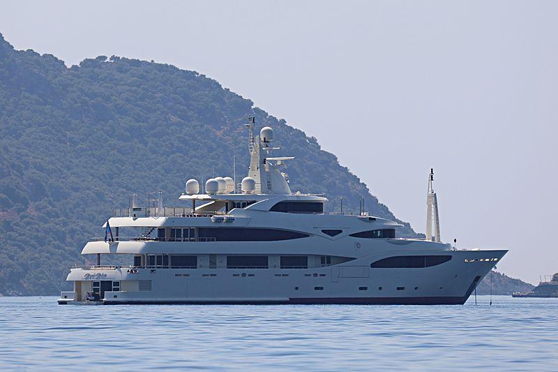 ROYAL RUBIN yacht CRN