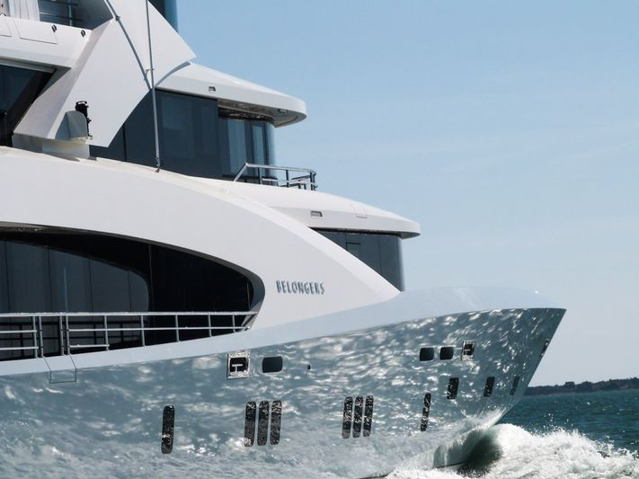 Belongers Couach 5000 superyacht