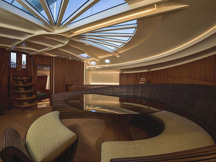 Geist yacht saloon