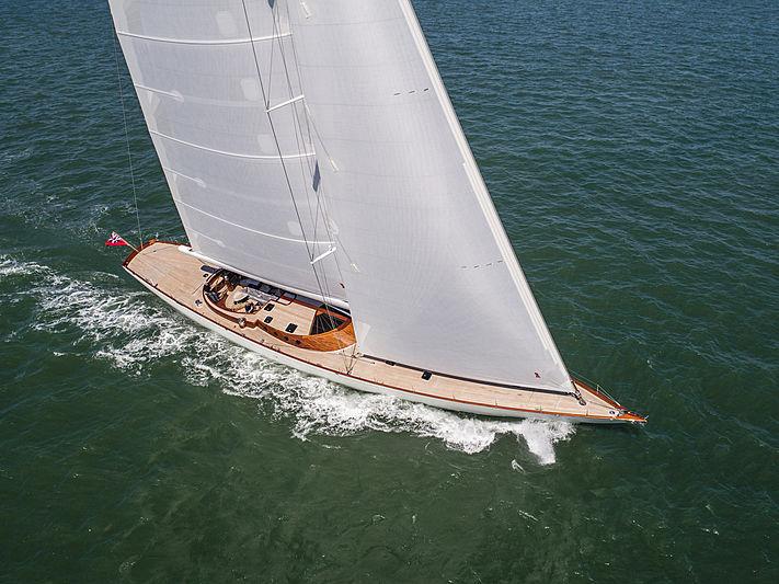 Geist yacht sailing
