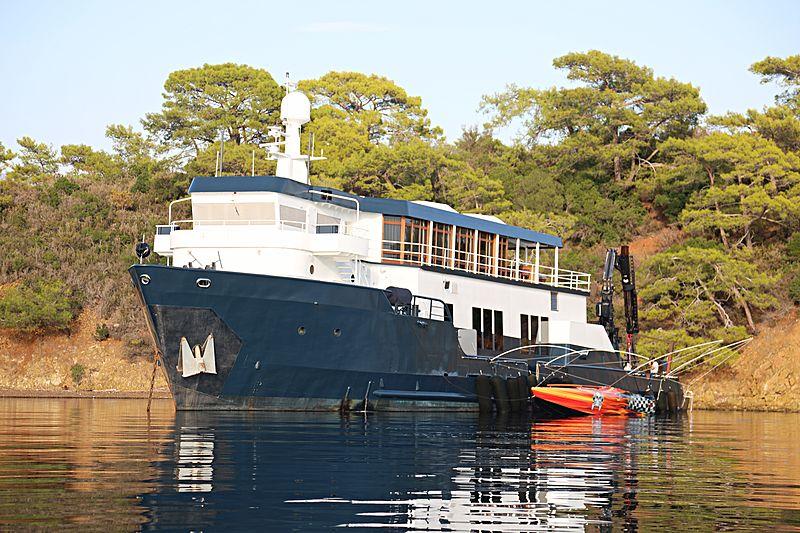 MYSTERE SHADOW yacht Candies Shipbuilders (formerly Houma)