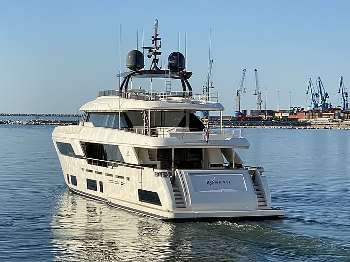 Roma VII yacht leaving for her maiden voyage