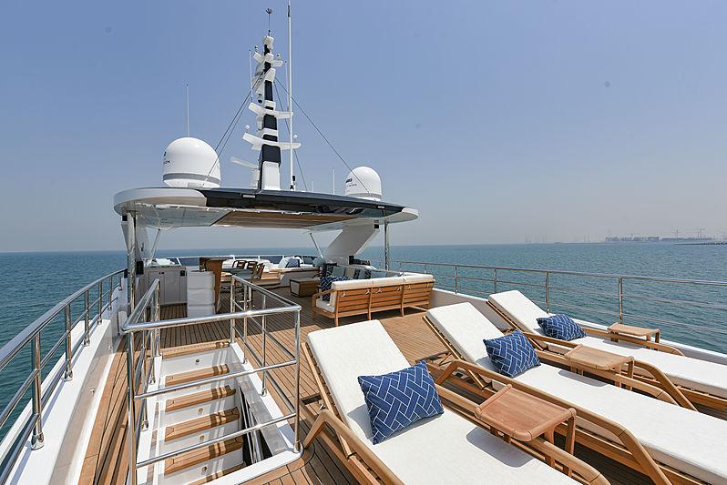 Majesty 120/01 yacht sundeck