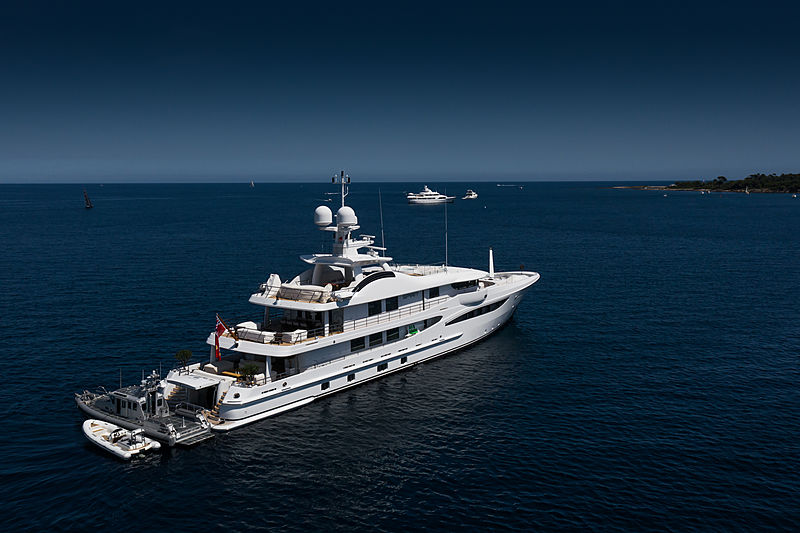 Spirit yacht in Cannes
