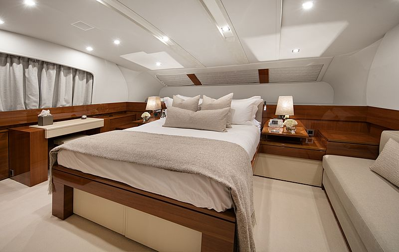 Nyota yacht owner's cabin