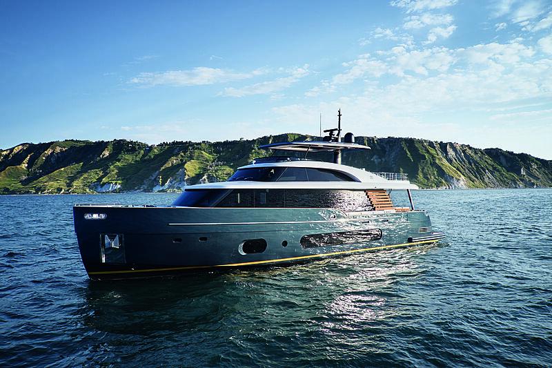 Azimut Grande Magellano 25/01 yacht exterior