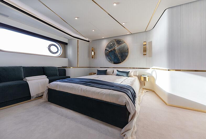 Azimut Grande Magellano 25/01 yacht interior