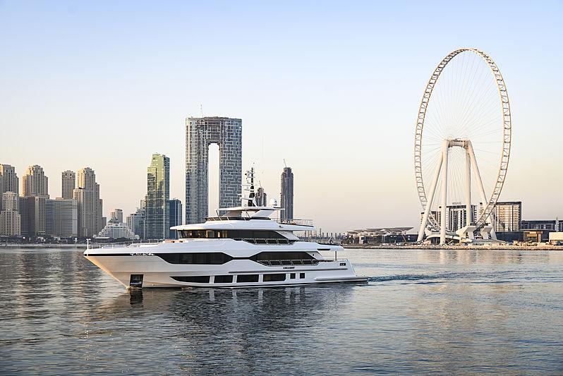 Majesty 120/01 yacht