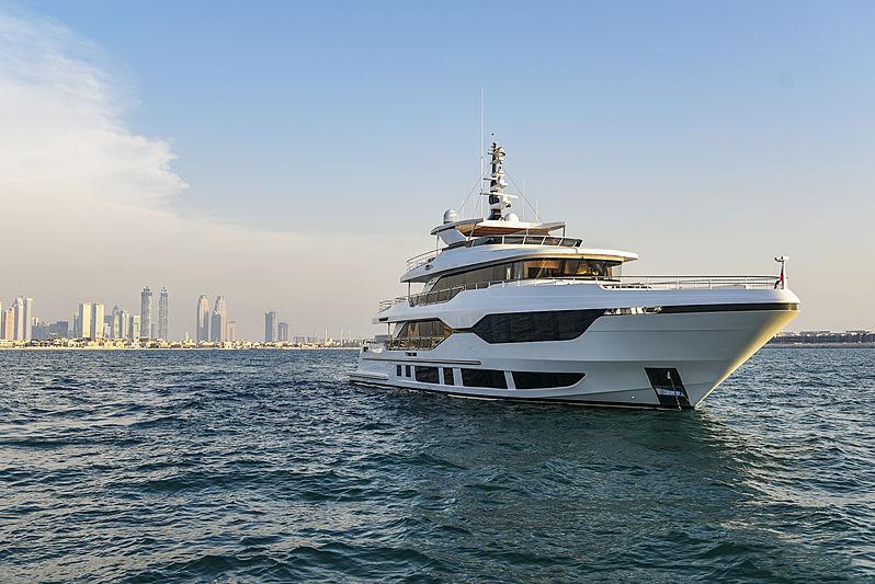 Majesty 120/01 yacht anchored