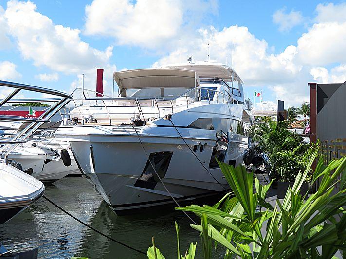 AZIMUT GRANDE 27/24 yacht Azimut