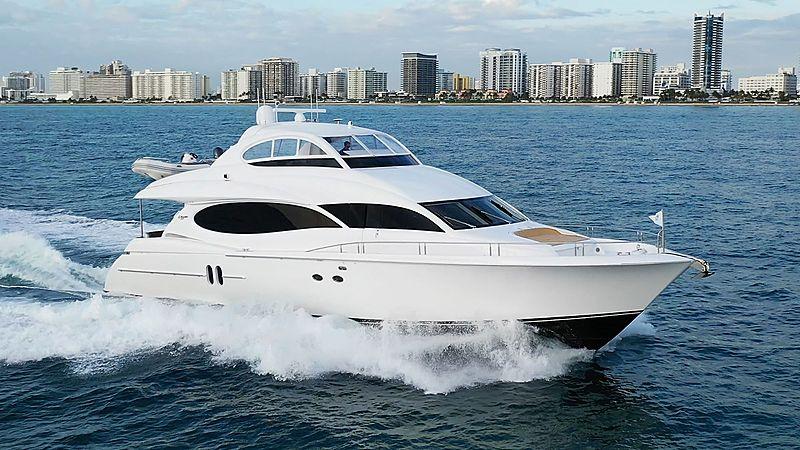 MOJO yacht Lazzara