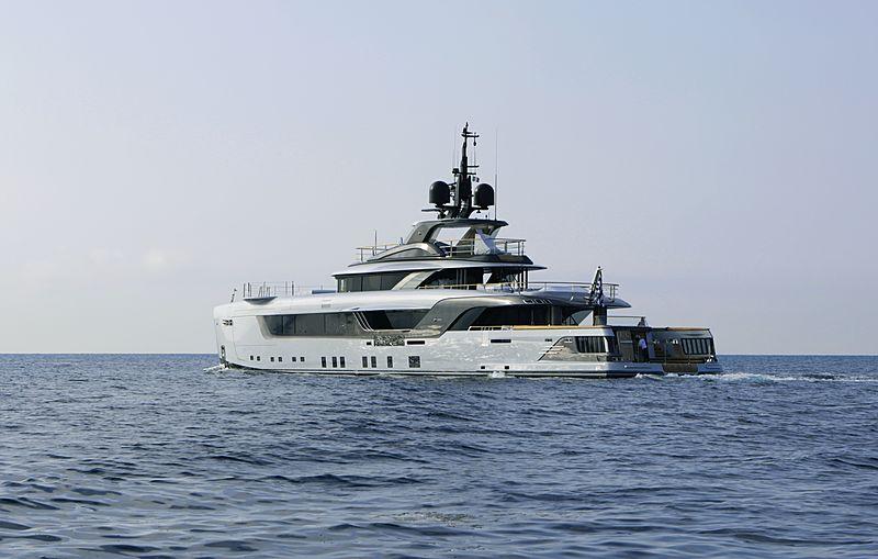 Geco yacht leaving Marina di Carrara