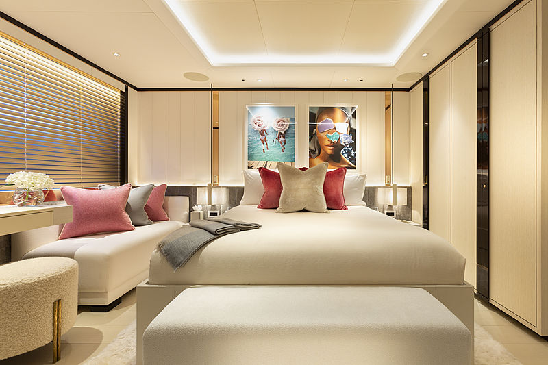 Hasna yacht stateroom