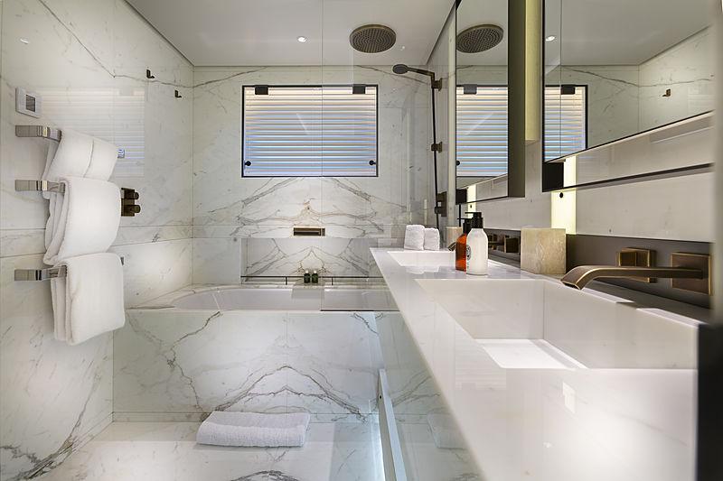 Hasna yacht bathroom