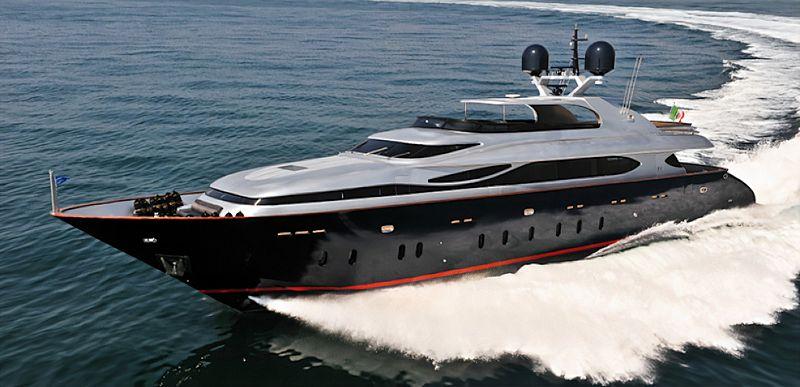 Theo yacht cruising