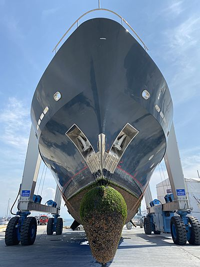 Miami Blues yacht in refit at KRM shipyard in Istanbul