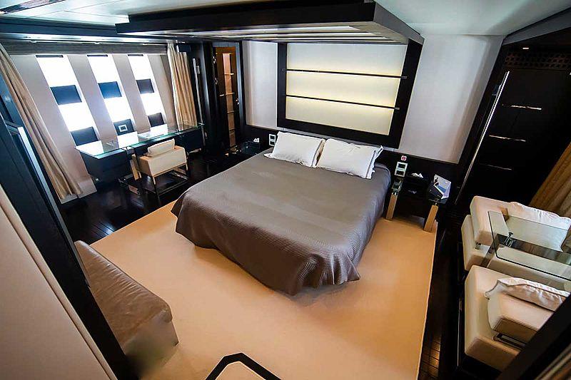 Aquarius yacht stateroom