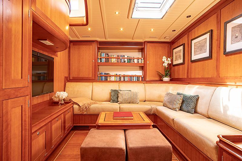 Kealoha yacht saloon