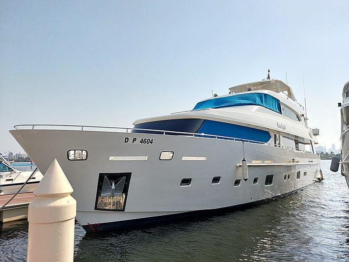 SAADIYAT yacht Sunbird Yacht