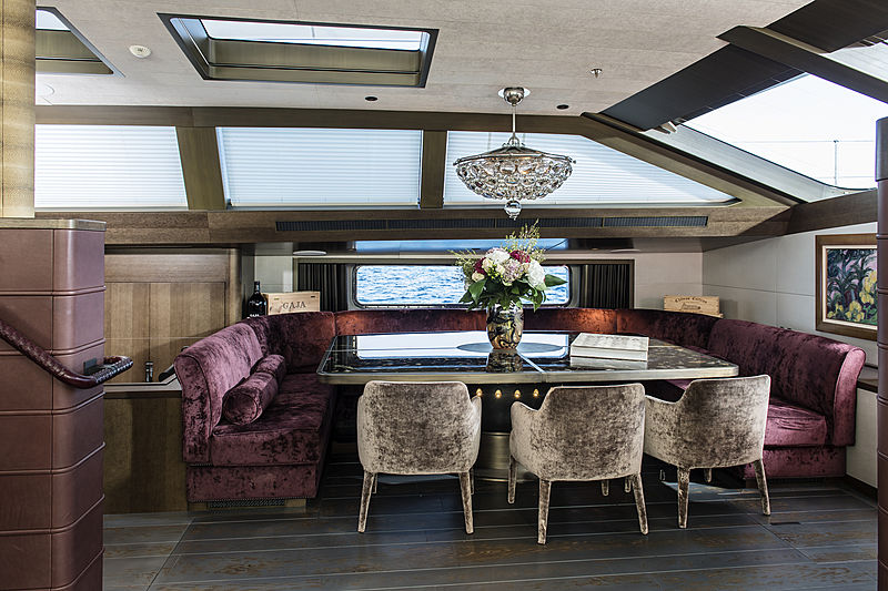 Pink Gin VI yacht dining