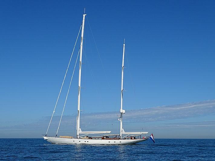 Meraki yacht cruising on delivery day