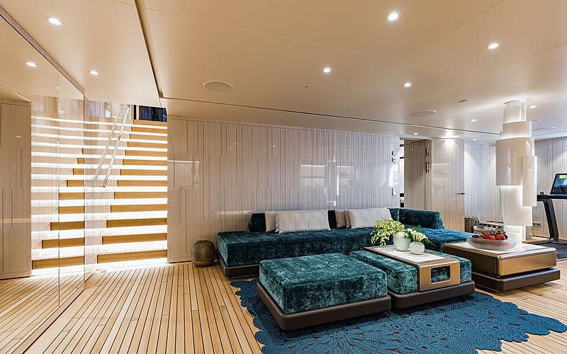 Soaring yacht beach club