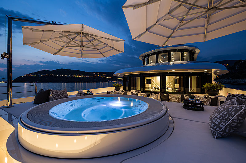 11.11 yacht deck
