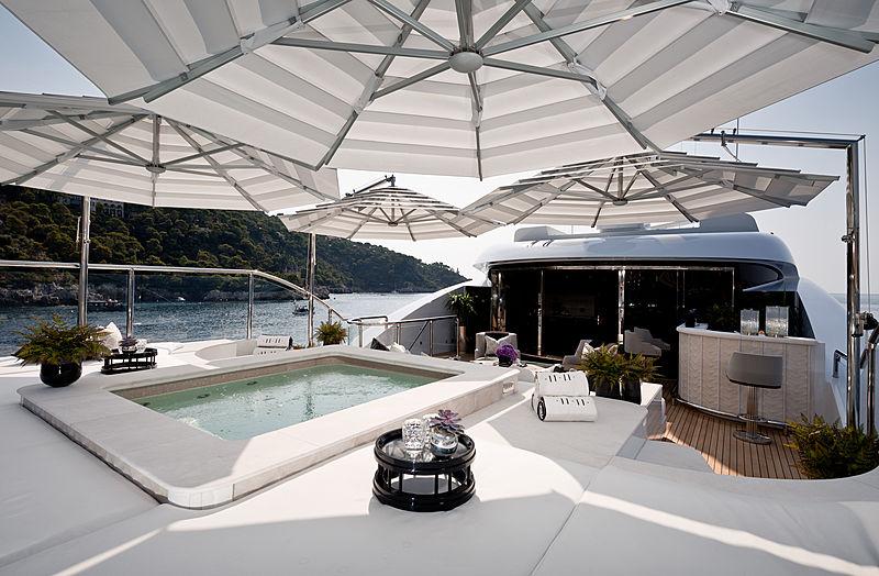 11.11 yacht sun deck
