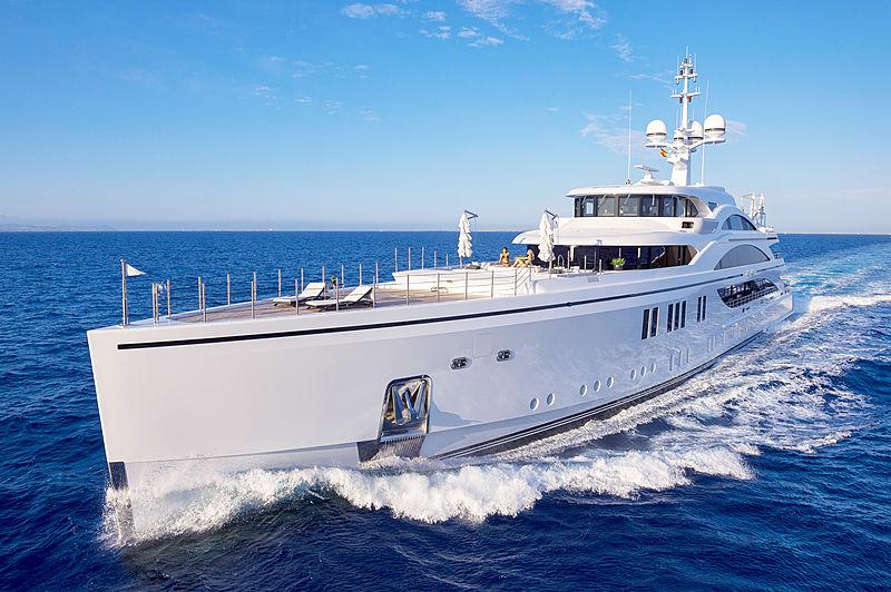 11.11 yacht Benetti