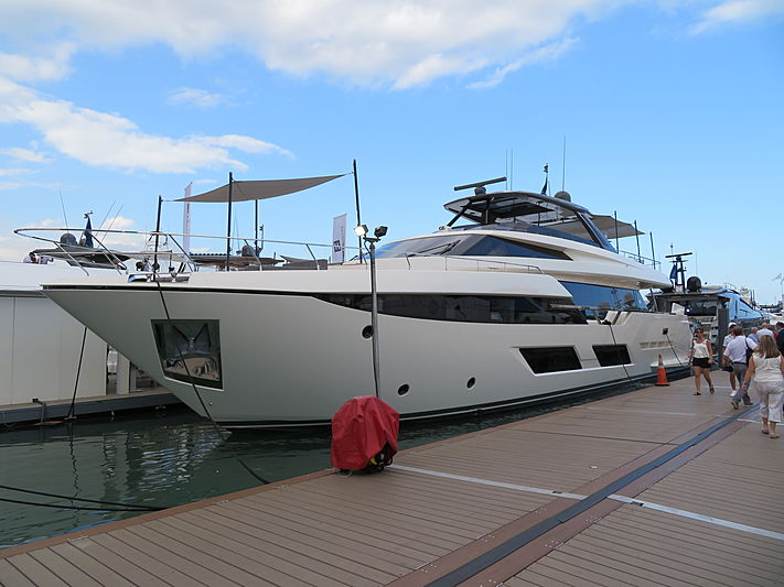 Ciao II yacht at Miami Yacht Show 2020
