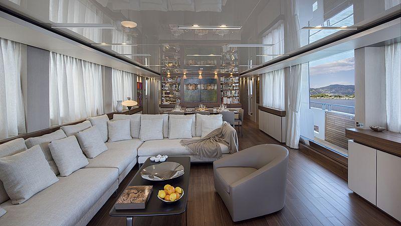 Andinoria yacht main saloon
