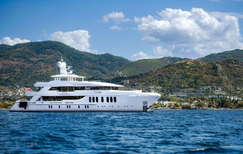 CMB Yachts 47M Liquid Sky