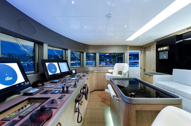 CMB Yachts 47M Liquid Sky Wheelhouse