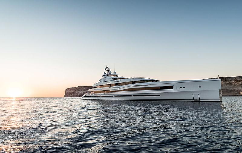 Lana yacht by Benetti