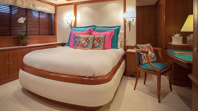 Jo yacht interior