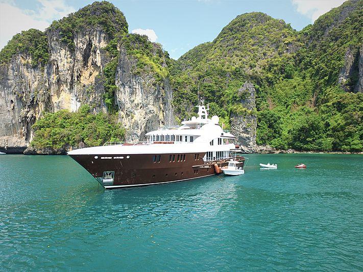 Baca yacht anchored